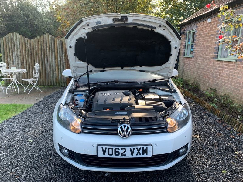 VOLKSWAGEN GOLF TDi 105 BlueMotion Start-Stop BlueMotion Tech SE 2012
